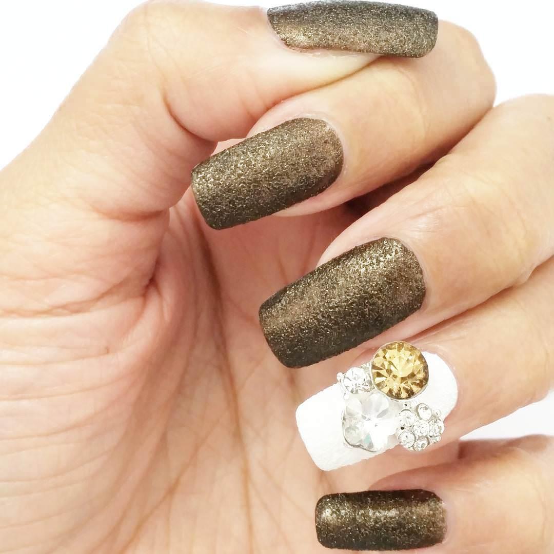 Glitter 3D Nail Art Design