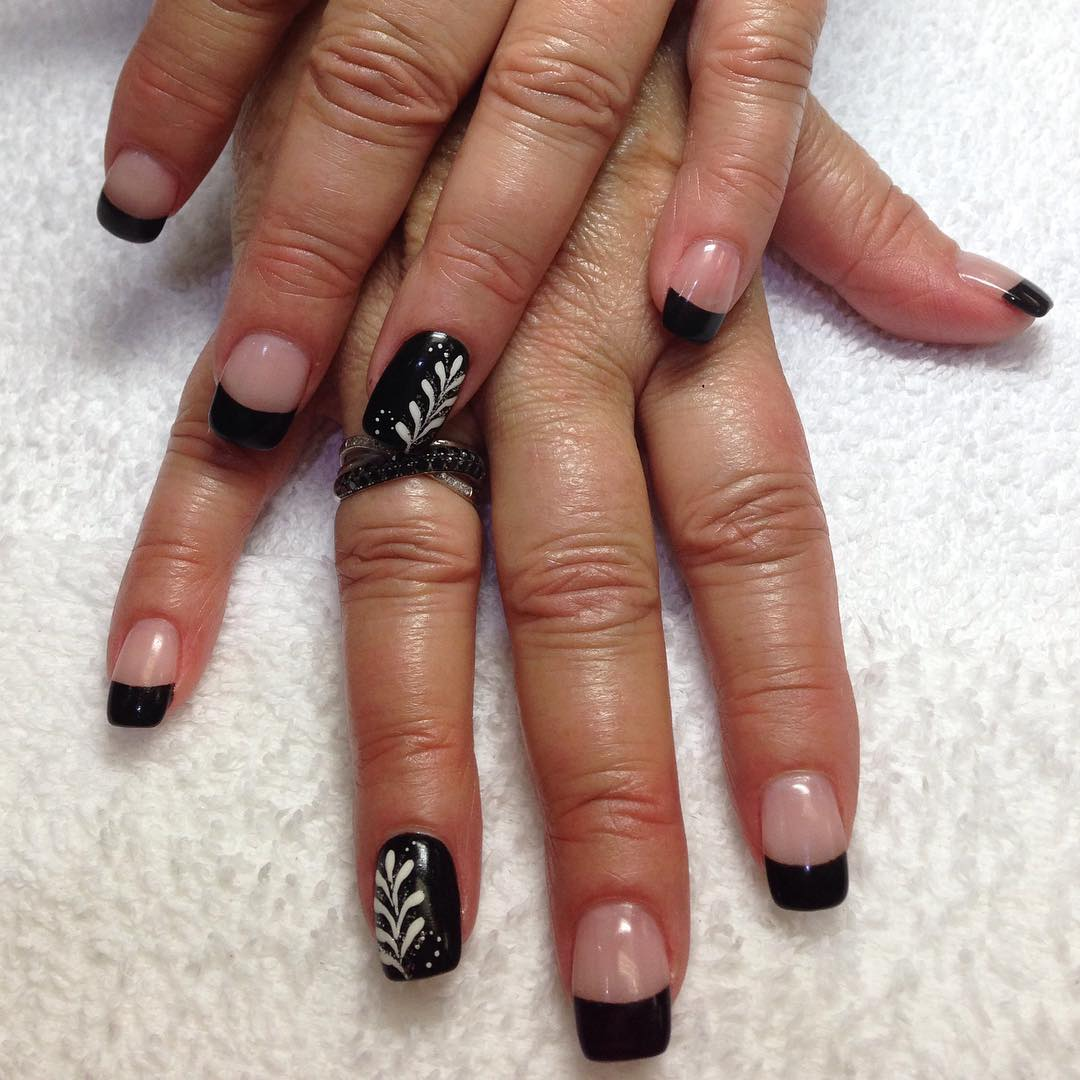 Flower Black Tip Nail Design