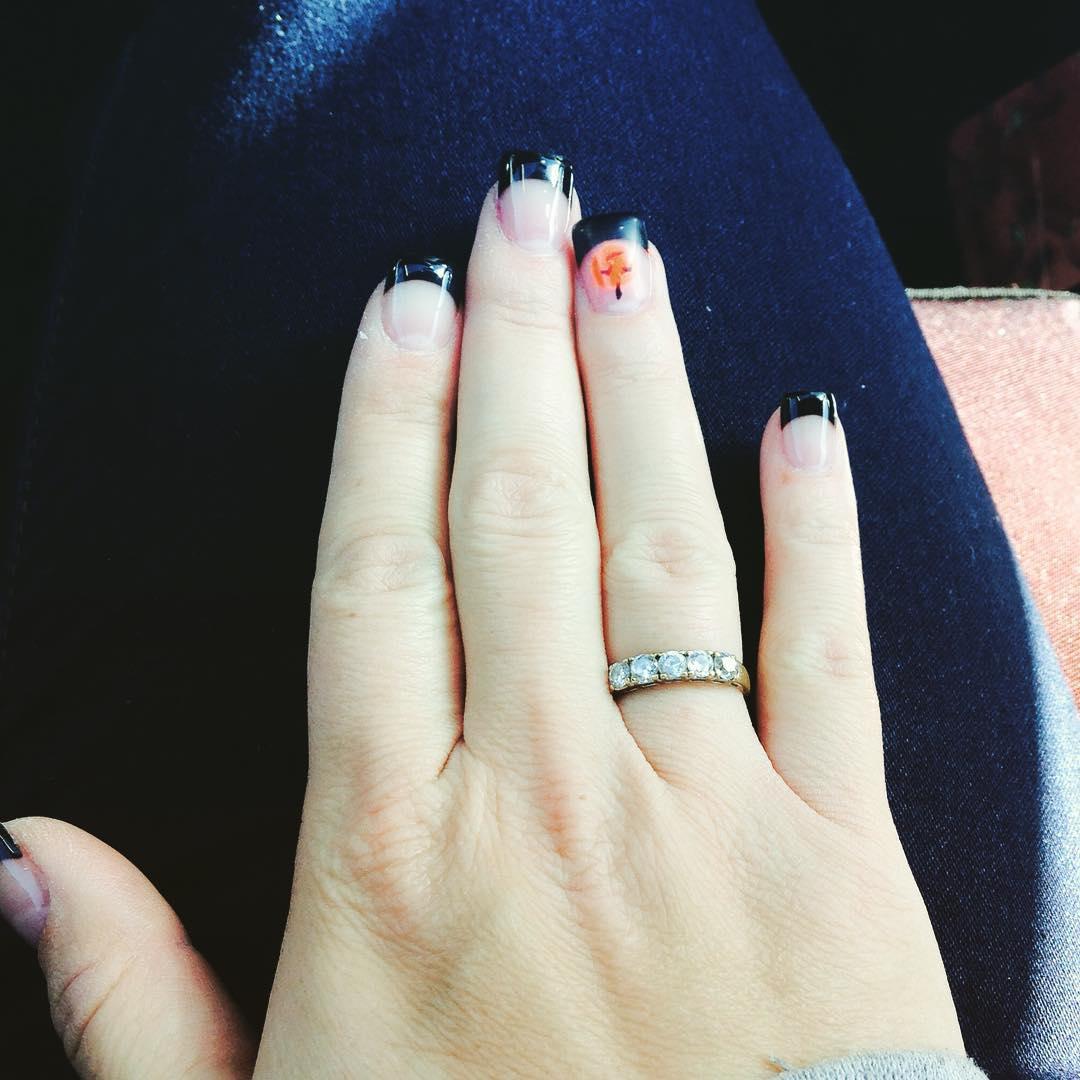 Glitter Black Tip Nail Design