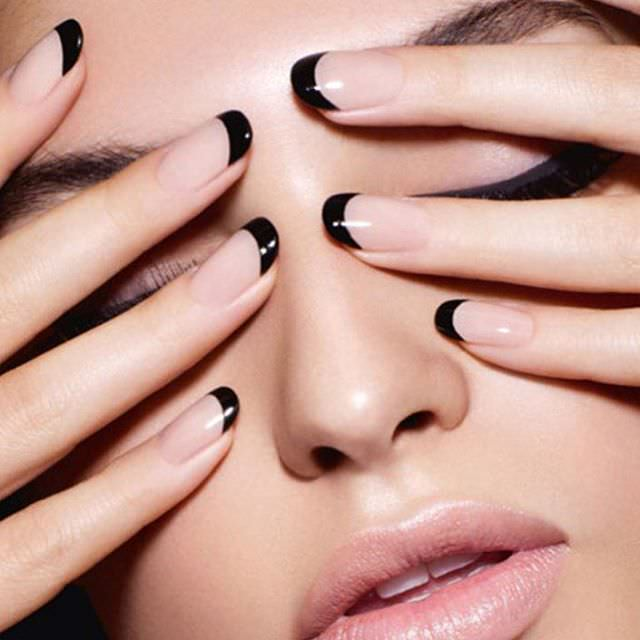 Smart Black Tip Nail Design