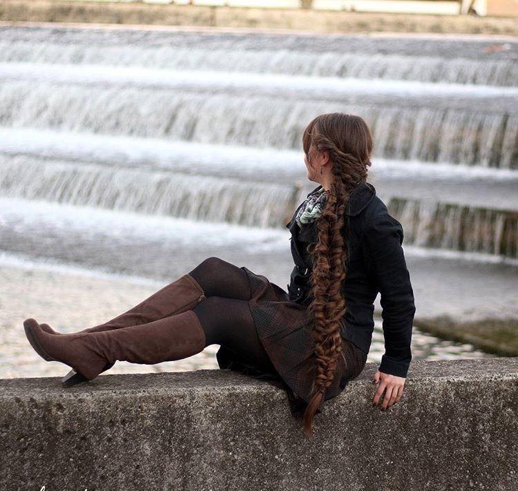 elastic braided hairstyle