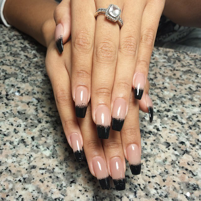 latest black tip nail design