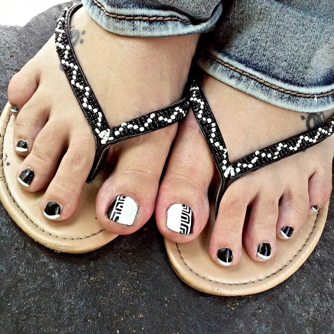 23 Black Toe Nail Art Designs Ideas Design Trends Premium Psd