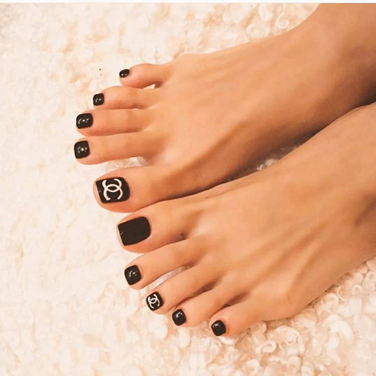 Black Nail Polish Foot: 23+ Black Toe Nail Art Designs, Ideas