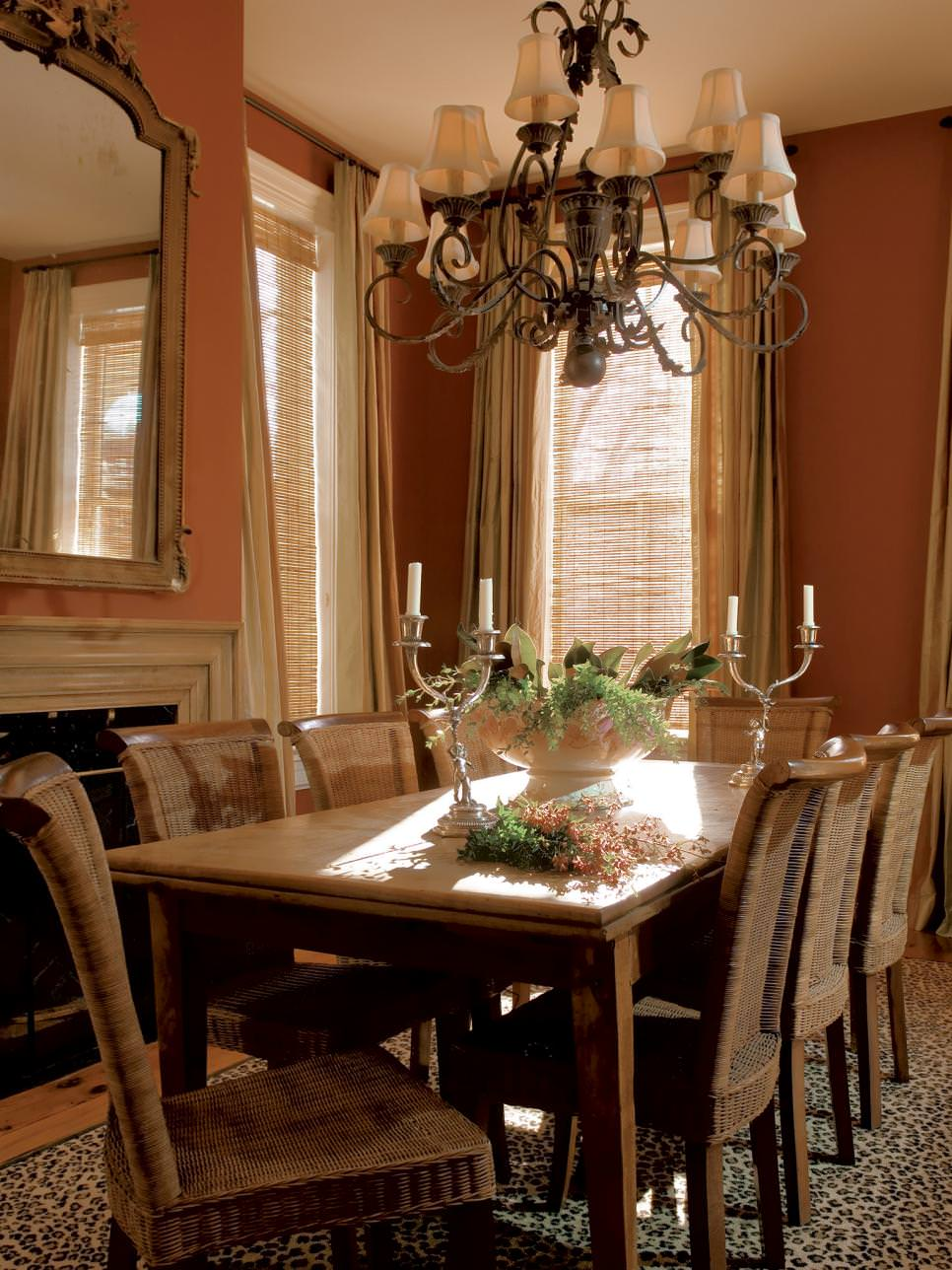 Dining room chandelier select the perfect dining room for Popular dining room chandeliers