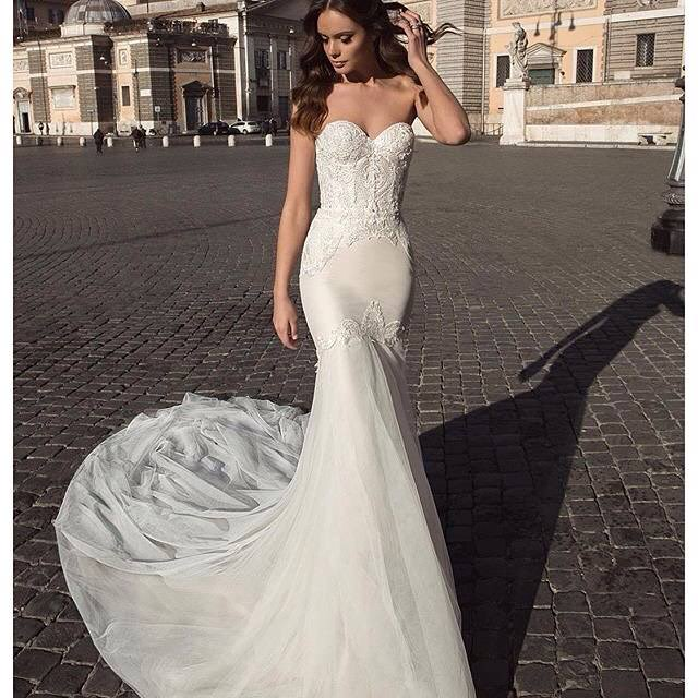 Trendy & Simple Fantasy Wedding Dress
