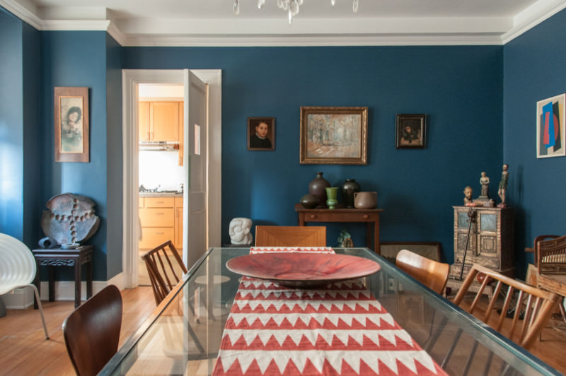 Eclectic cool blue dining room design