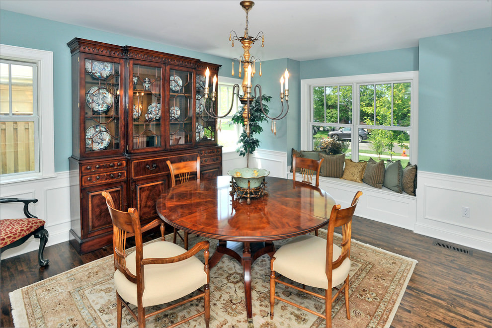 Traditional Blue Dining Room Design