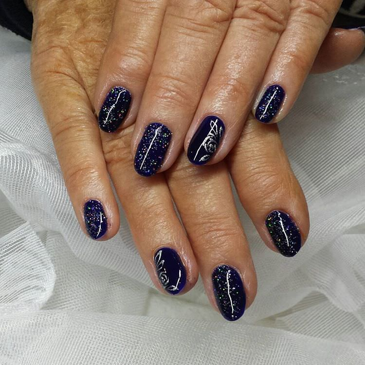 Trendy Look-Dark Blue Nail Design