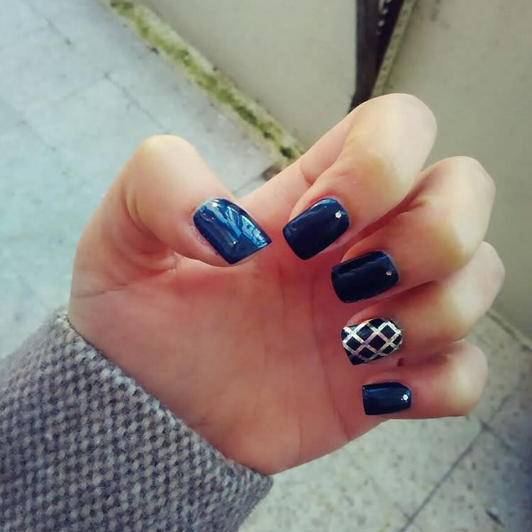Silver Line-Dark Blue Nail Design