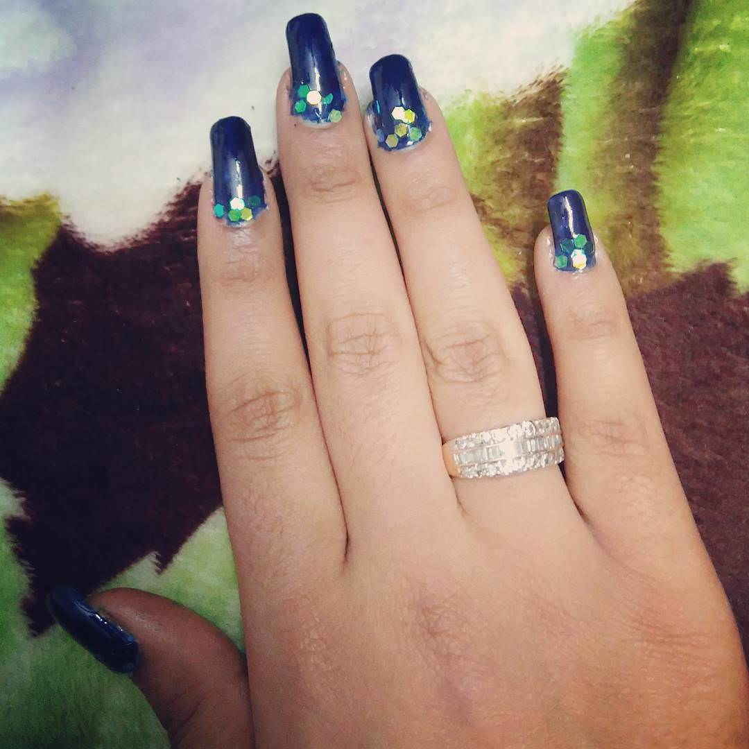 Simple & Classy Dark Blue Nail Design