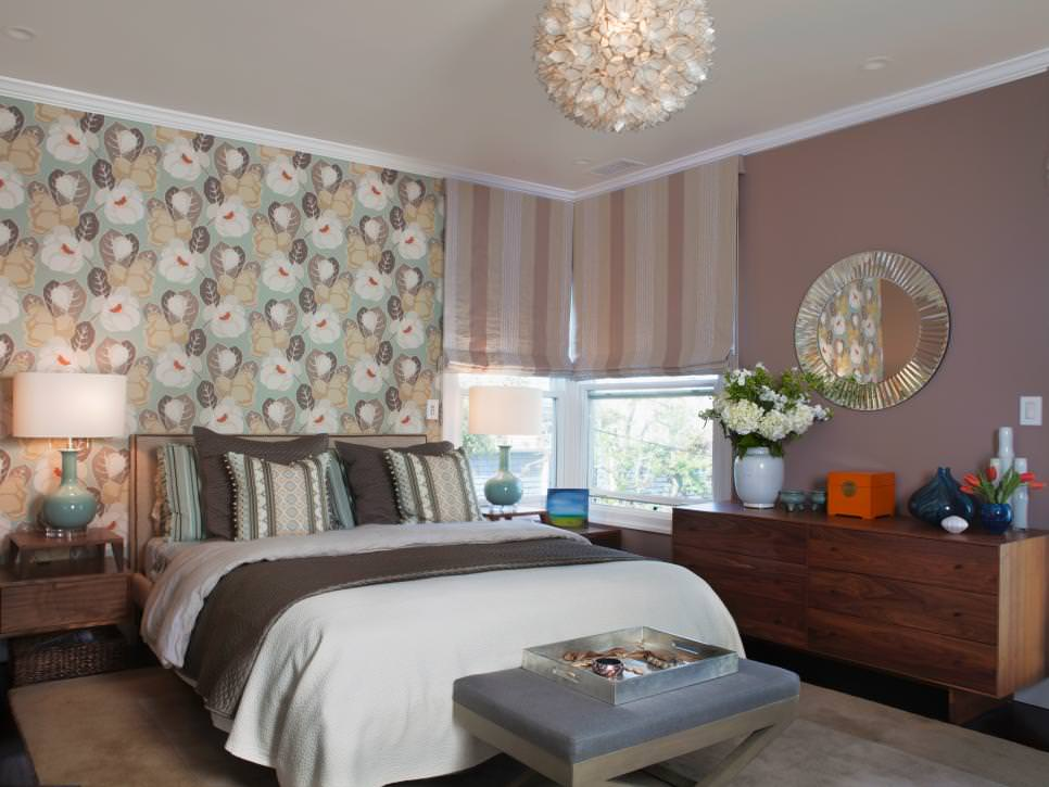 floral wallpaper accent wall design - Floral Wallpaper Bedroom Ideas