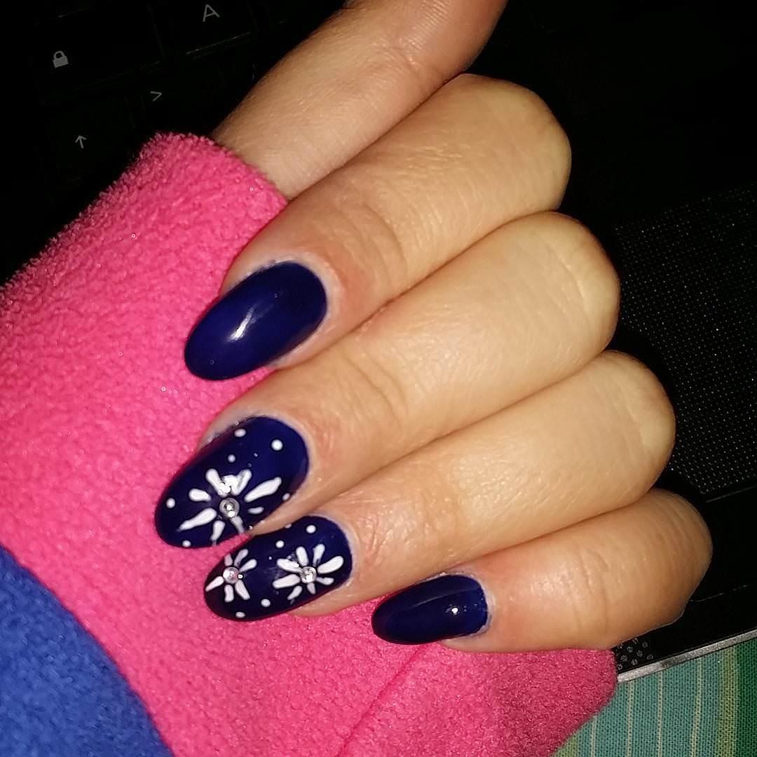 Simple Stone-Dark Blue Nail Design