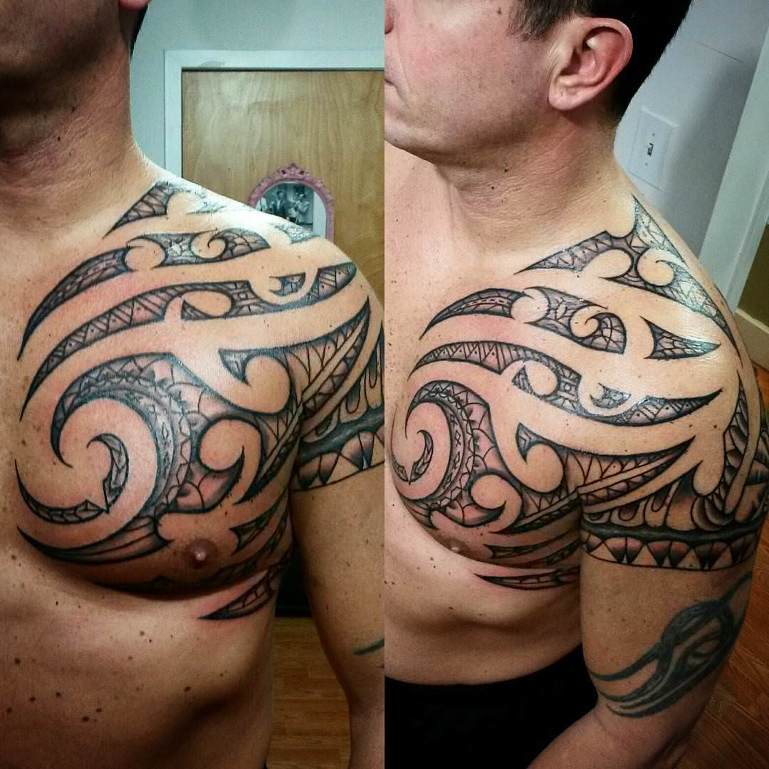 shoulder polynesian tattoo