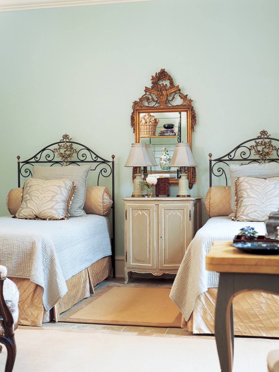 Traditional Twin Beds Designs