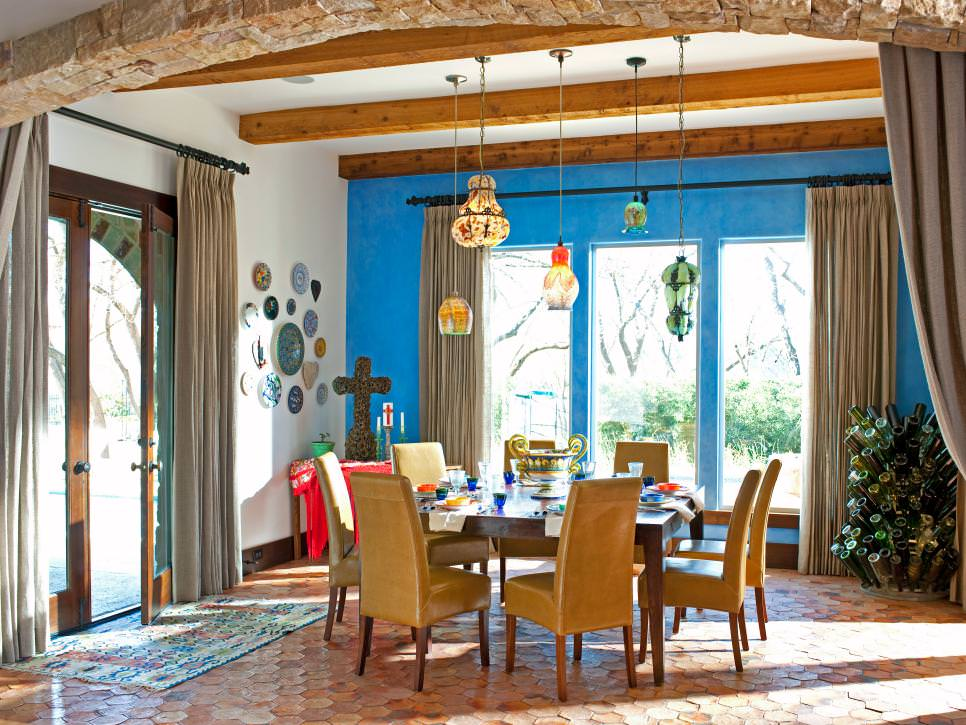 Dining Room With Blue Accent Wall design