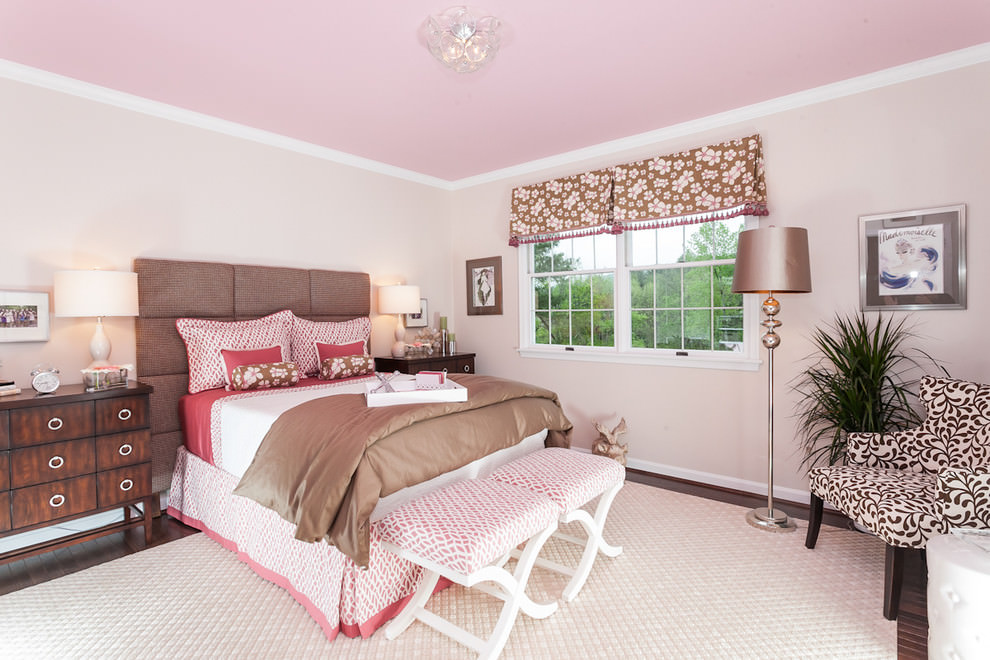 Awesome Kids Pink and White Wall Design