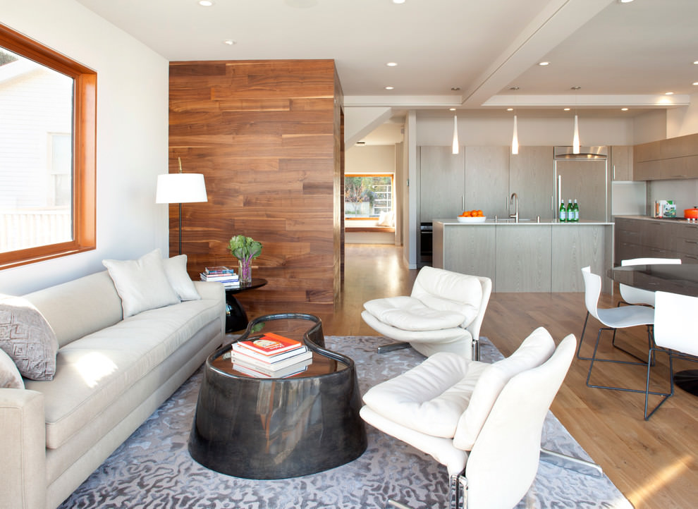 Contemporary living room with descent wooden wall design