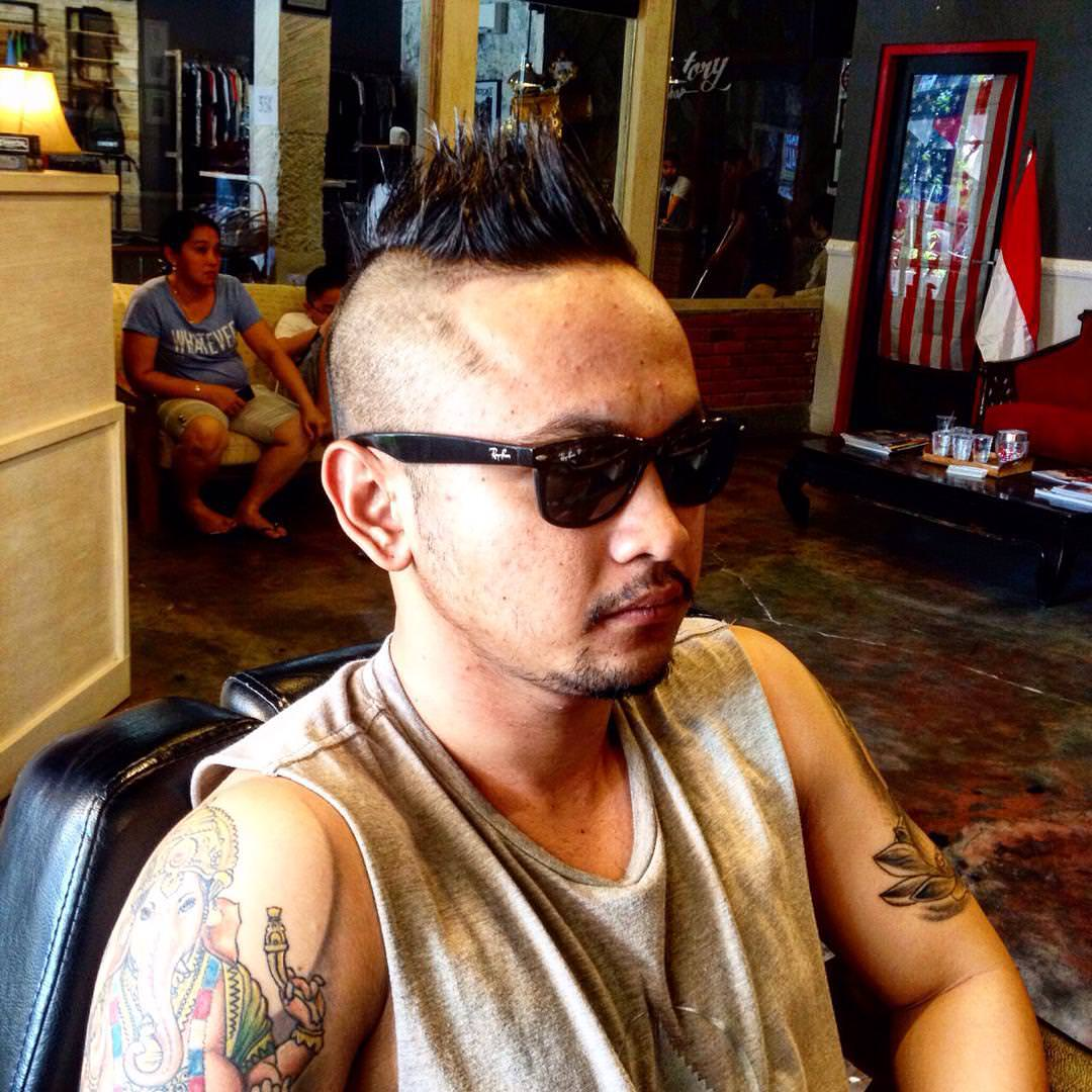 Trendy Look Mohawk Hairstyle for Men