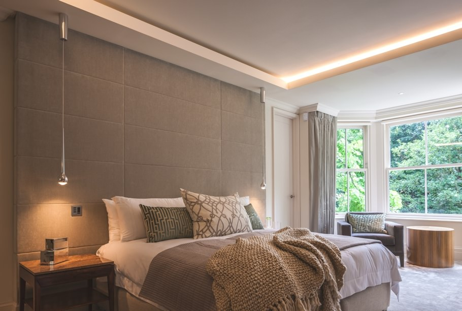 Silver Ceiling Bedroom Design