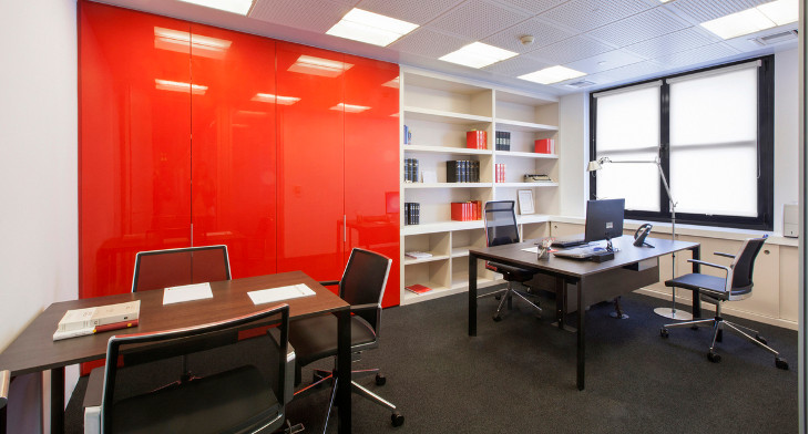22 best office designs decorating ideas design trends for Well designed office spaces