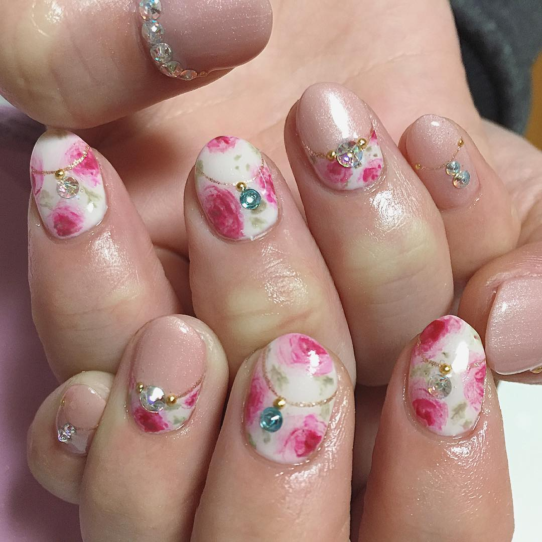 Simple and Attractive Rose Nail Design