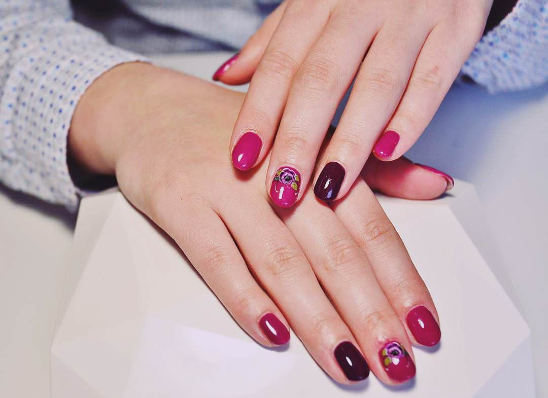 Attractive Pink & Rose Nail Designs