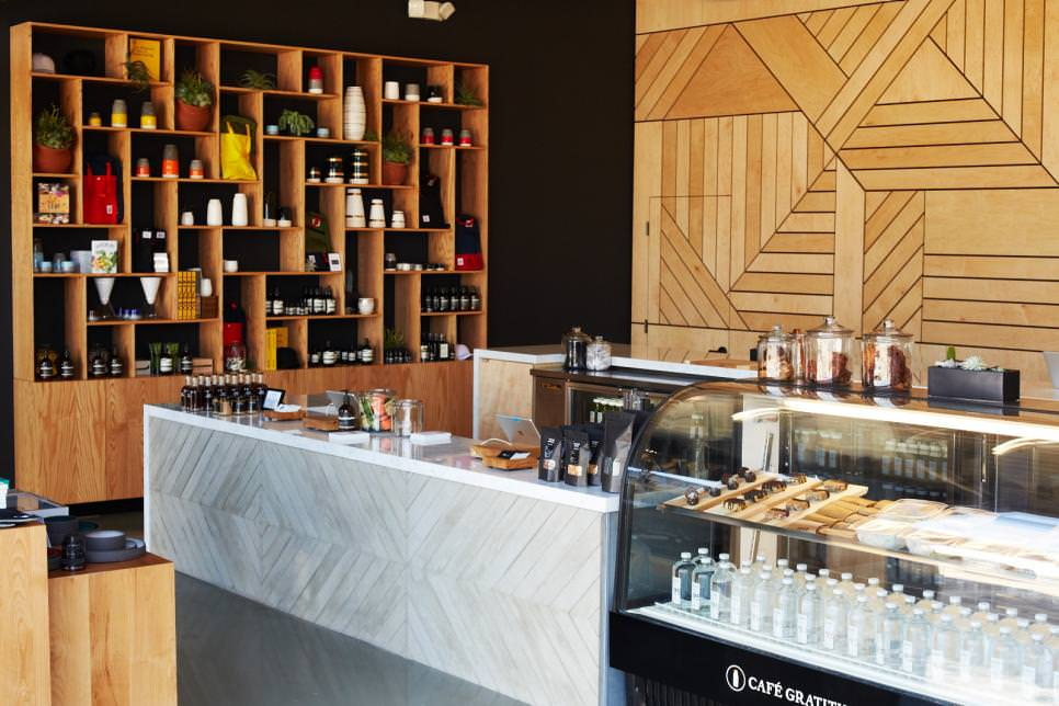 Wood Accent in Contemporary Juice Bar