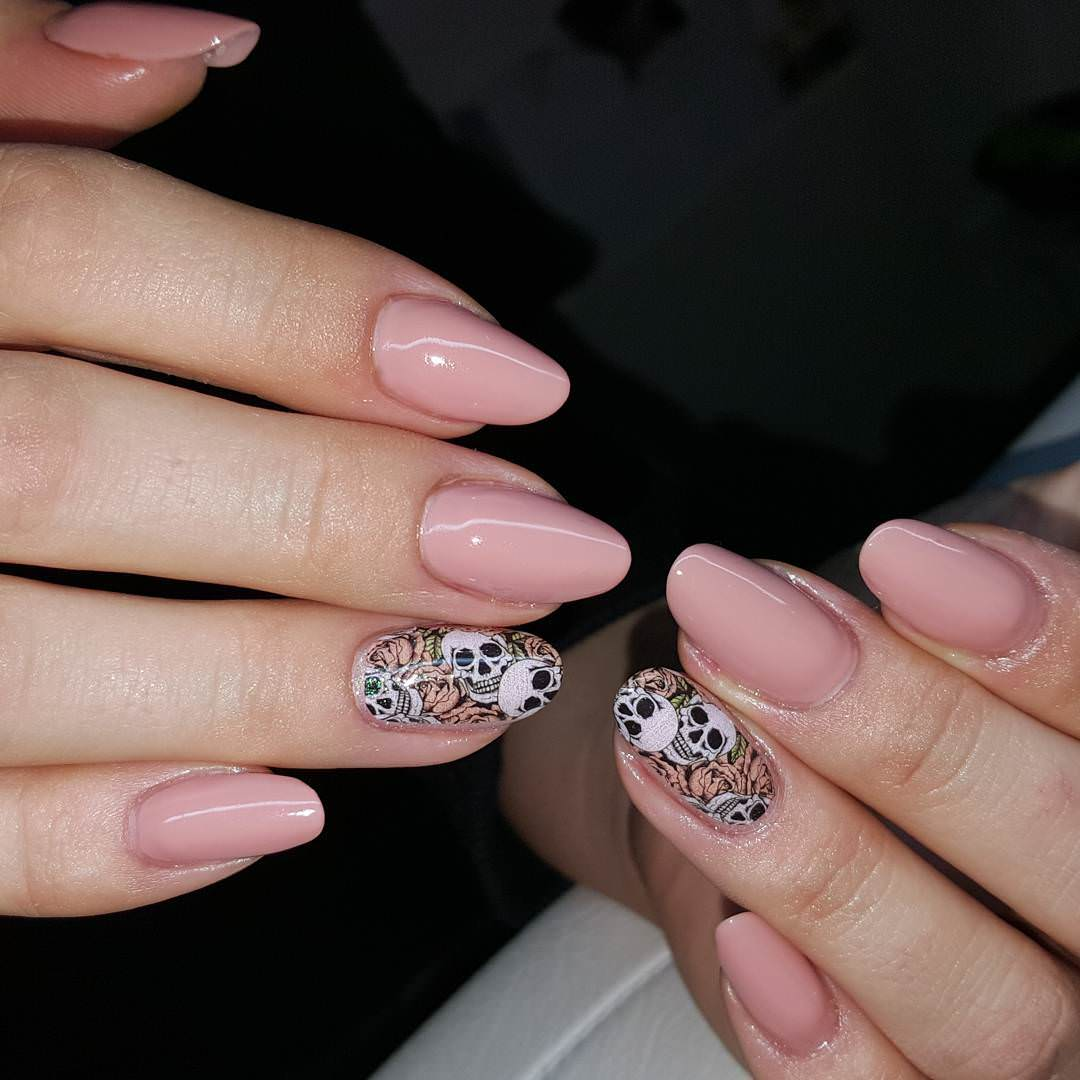 Nice Looking Skull Nail Design