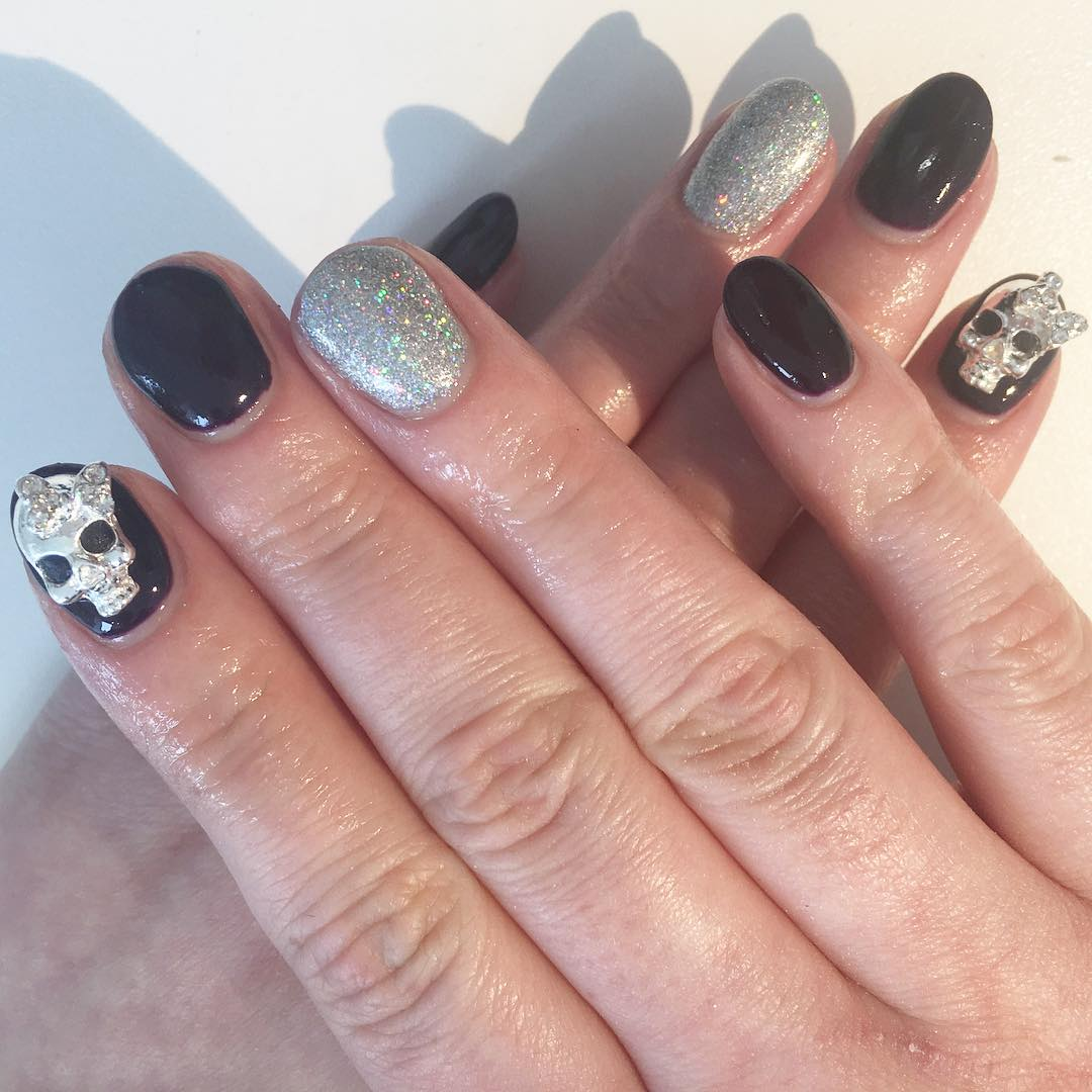 Skull Good Looking Nail Design