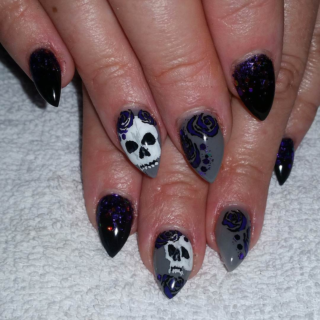 Skull Black & Grey Nail Design - 25+ Skull Nail Art Designs, Ideas Design Trends - Premium PSD