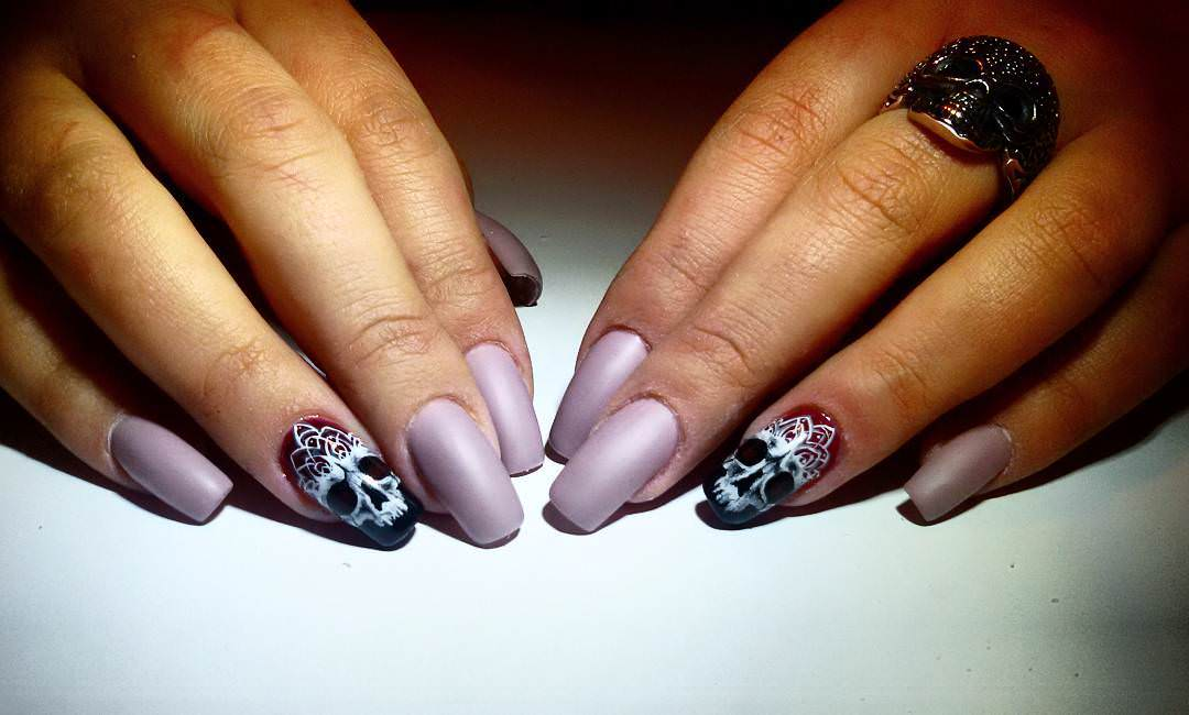 Skull Attractive Nail Designs