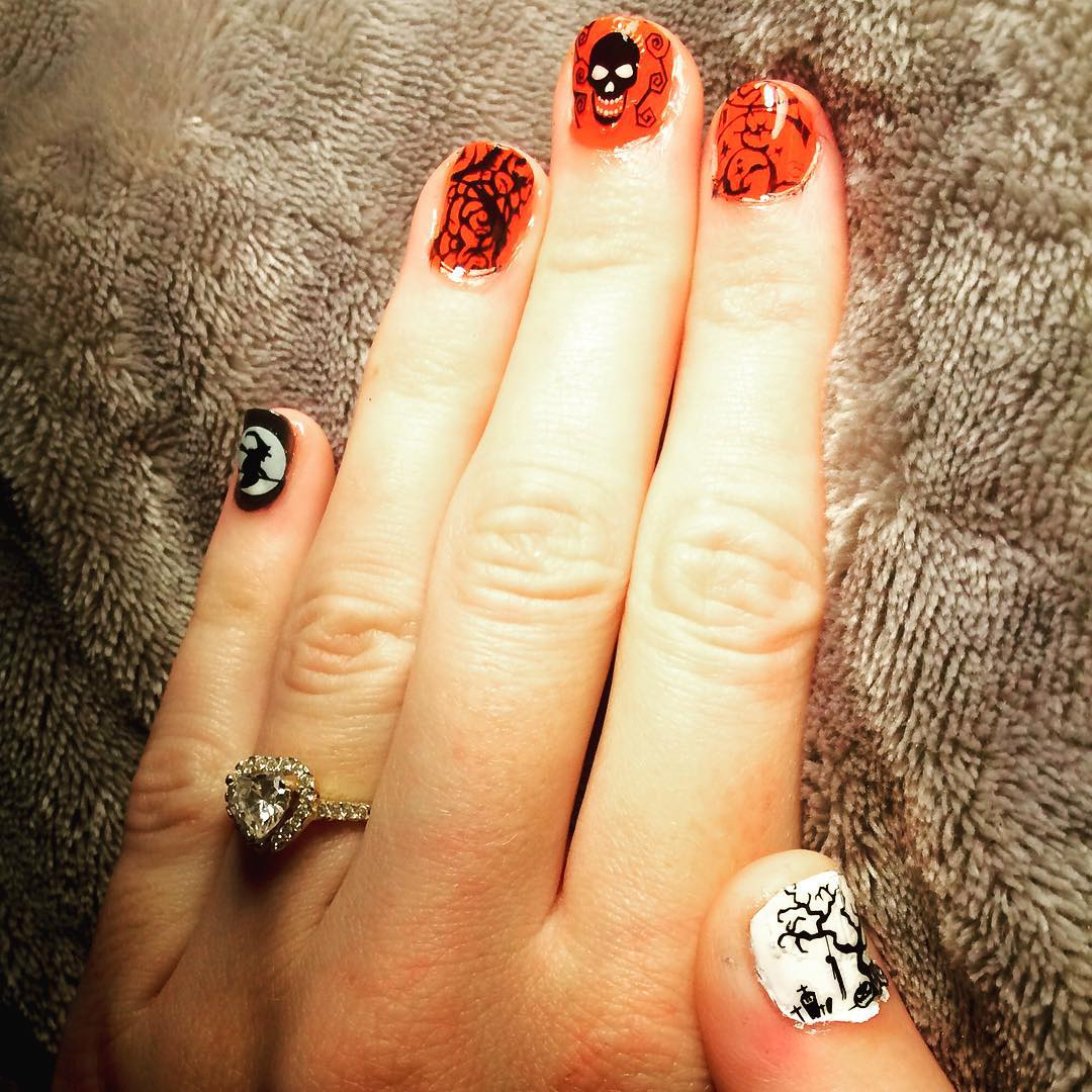 Skull Orange & Black Nail Design