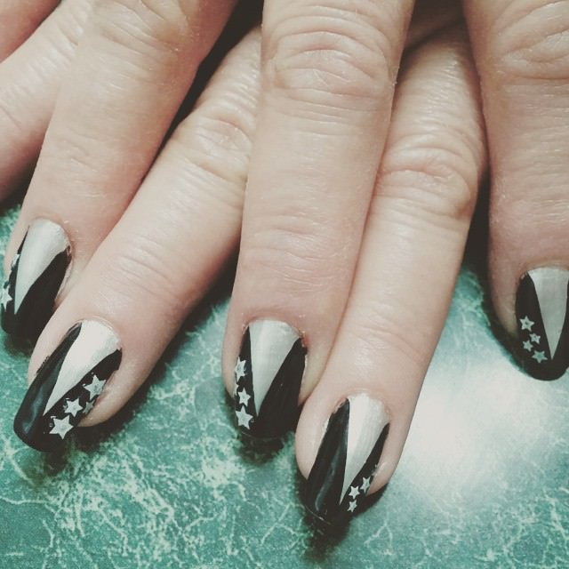 Star Black and White Nail Design