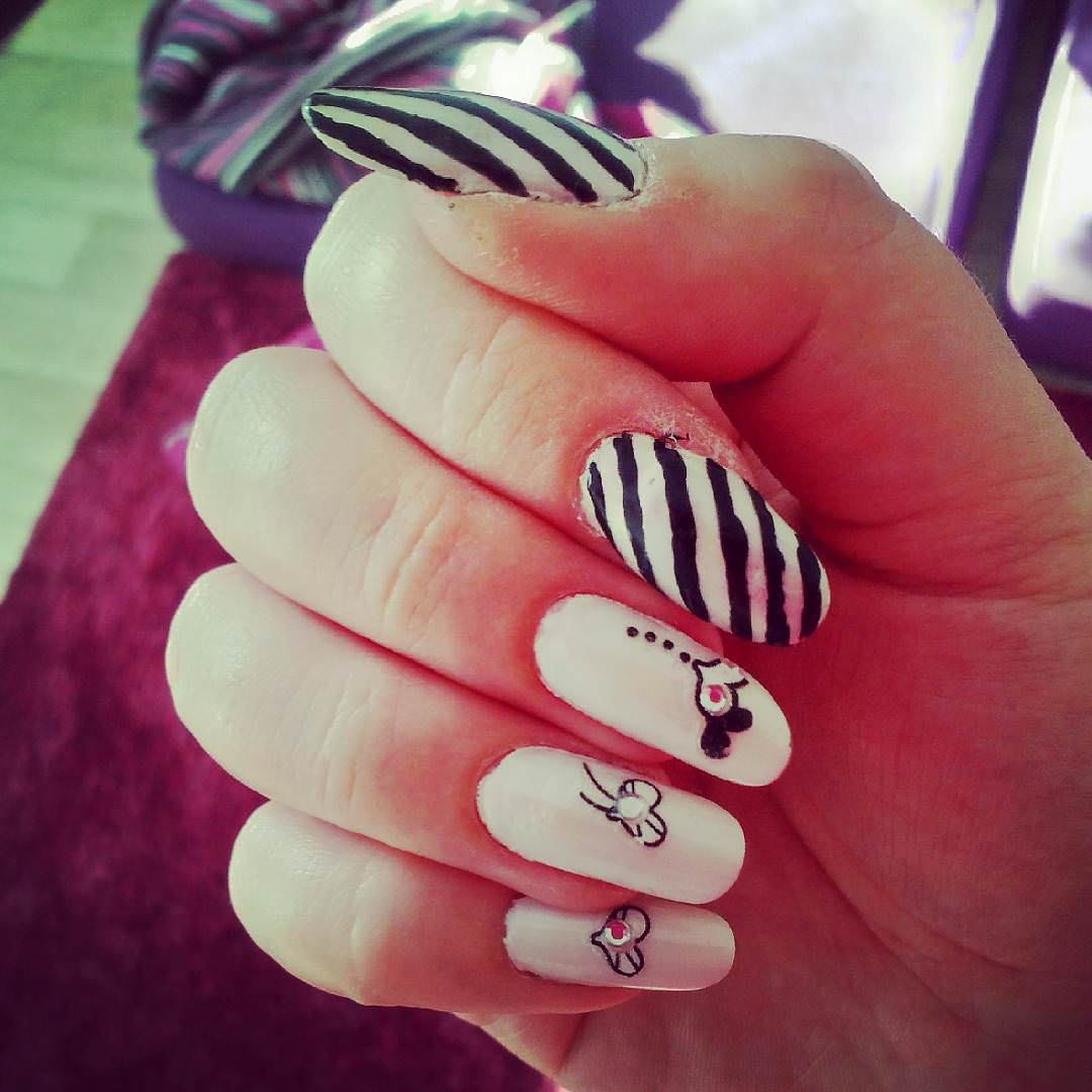 Attractive Love-Black and White Nail Design