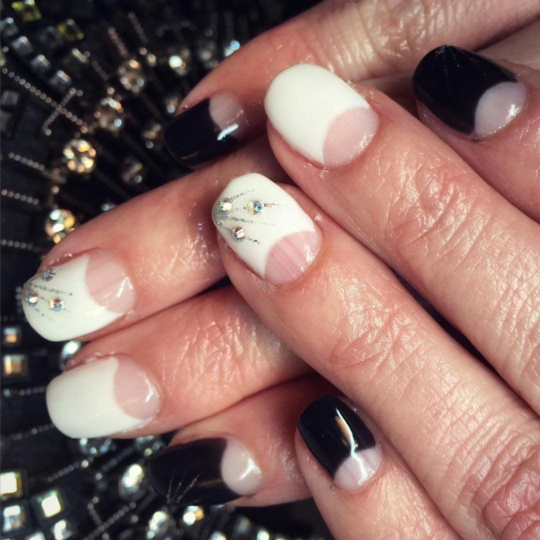 Awesome-Black and White Nail Design