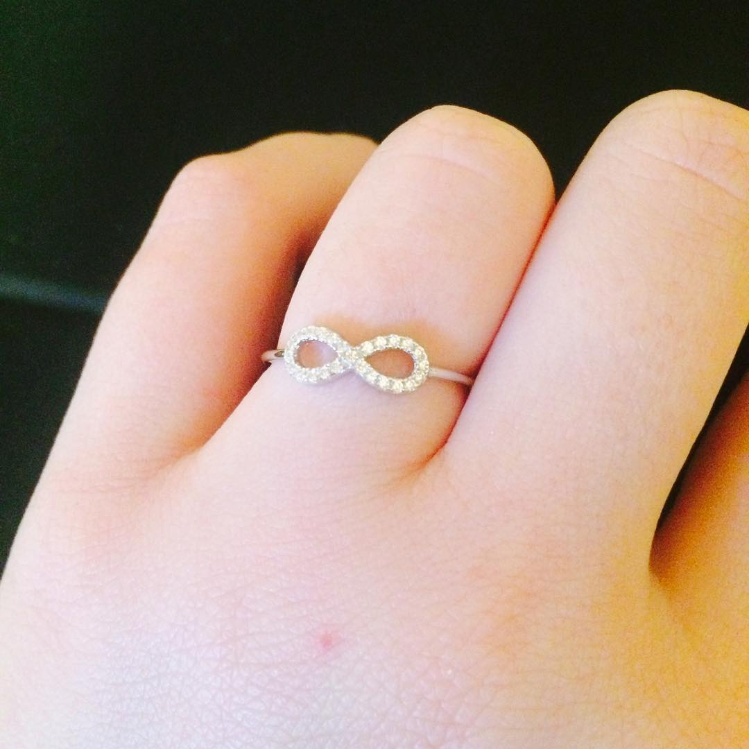 Cute Diamond Ring Design