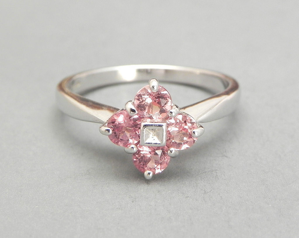 4 Pink Diamonds in Ring