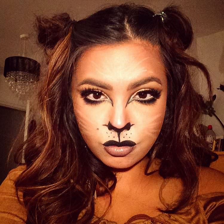 Casual Lion Makeup Girl