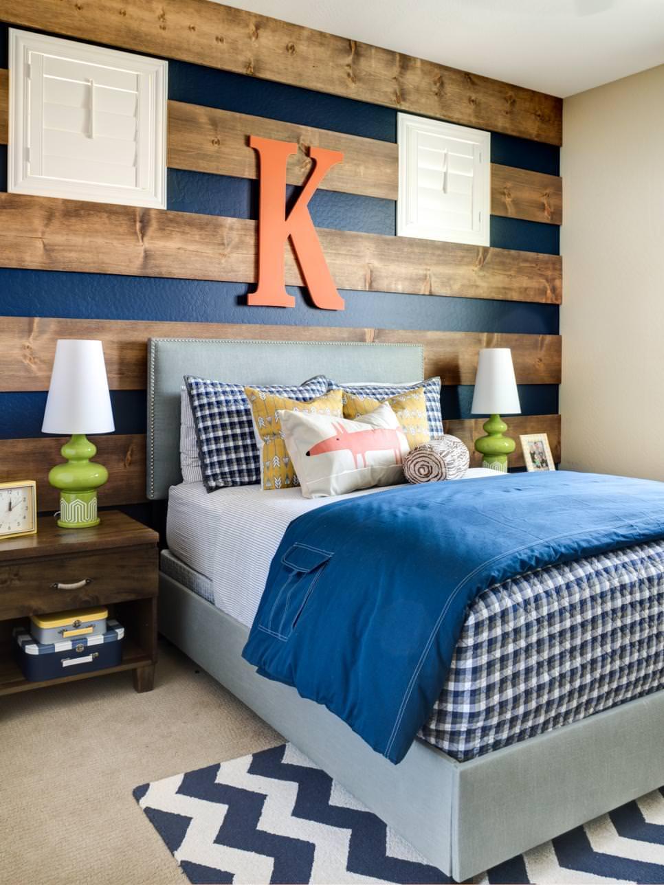 Amazing Wood Striped Bedroom Design