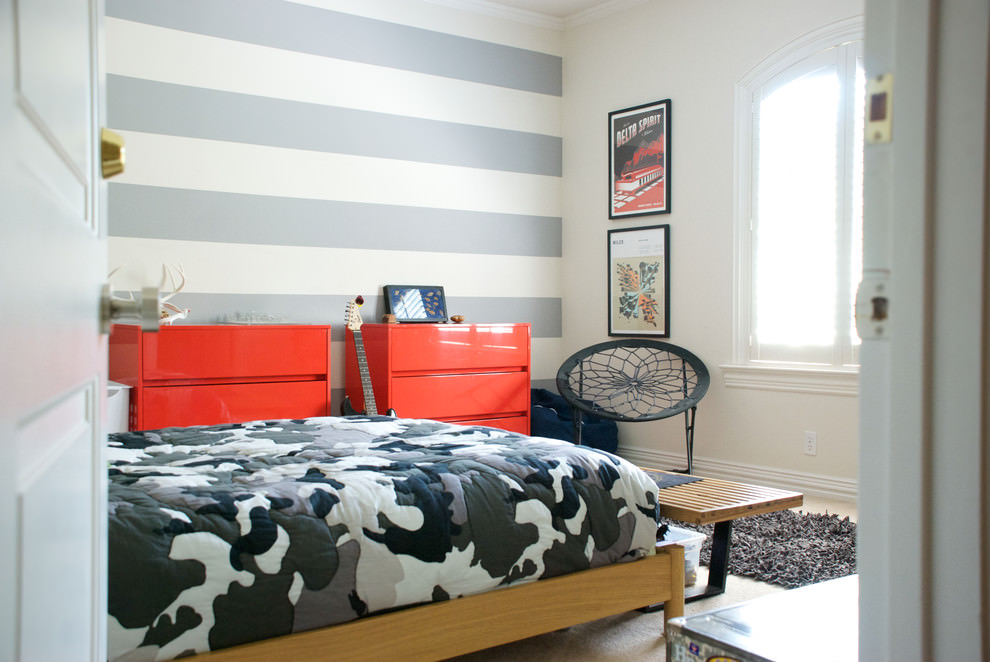 Boys Room Striped Wall Idea