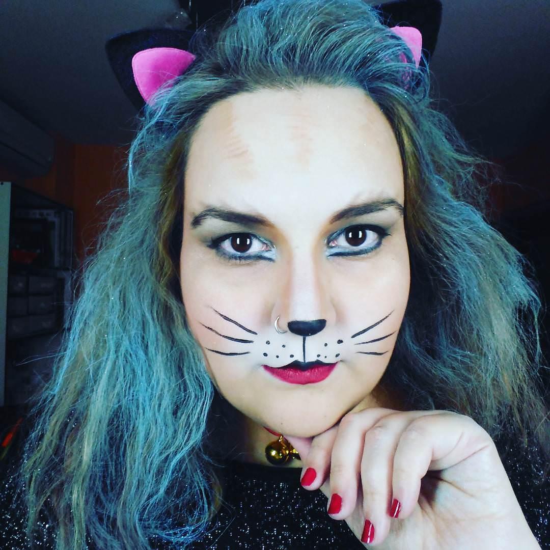 22+ Cat Makeup Designs, Trends, Ideas | Design Trends ...
