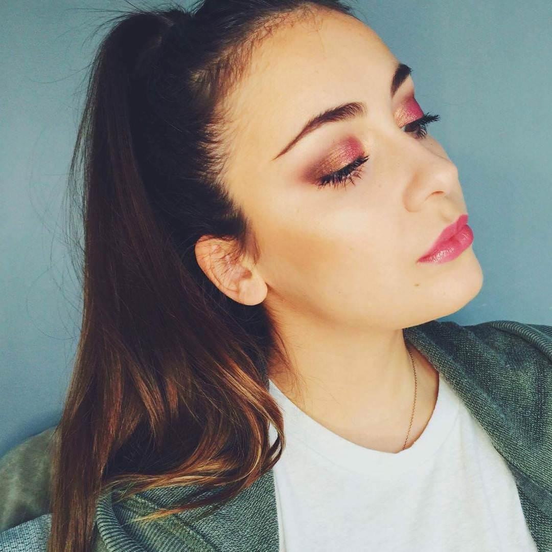 Glittering Pink Eye Makeup
