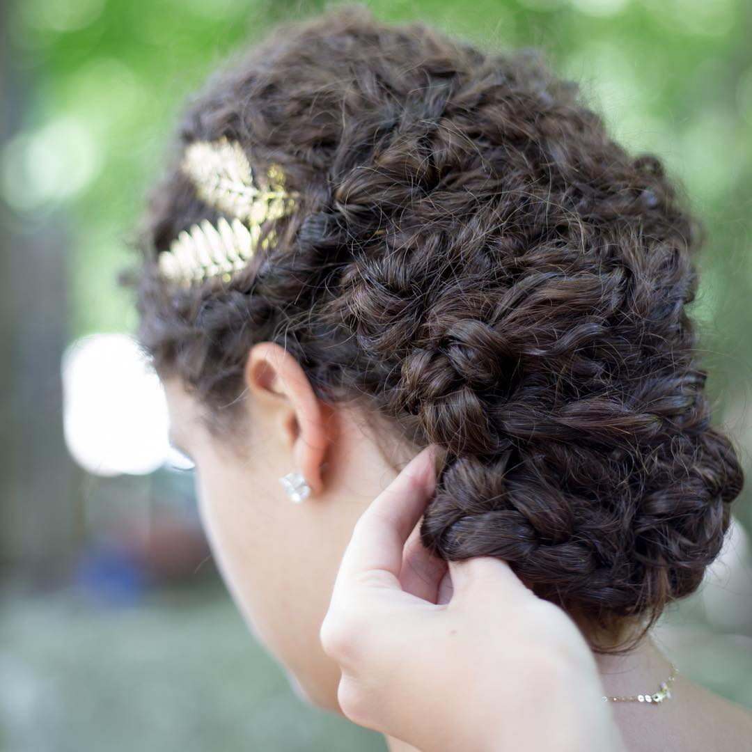 bridal curly hairstyle