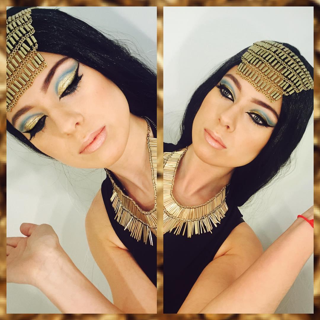 Neat Cleopatra Makeup