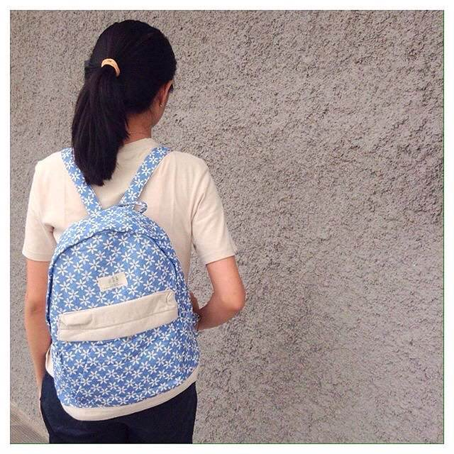 White & Blue Simple Backpack Handbag