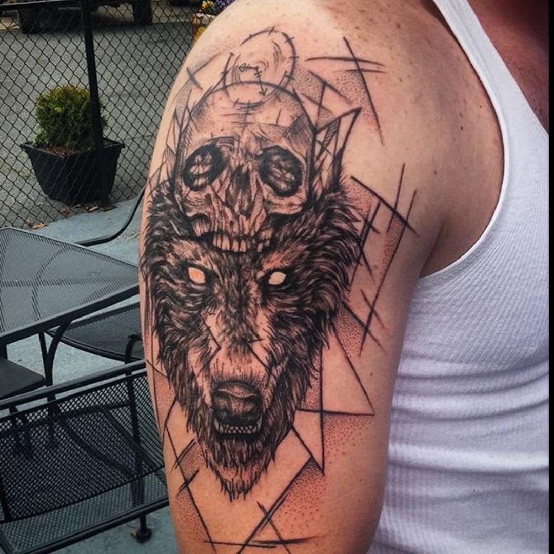 Reamarkeble Sleeve Tattoo Design