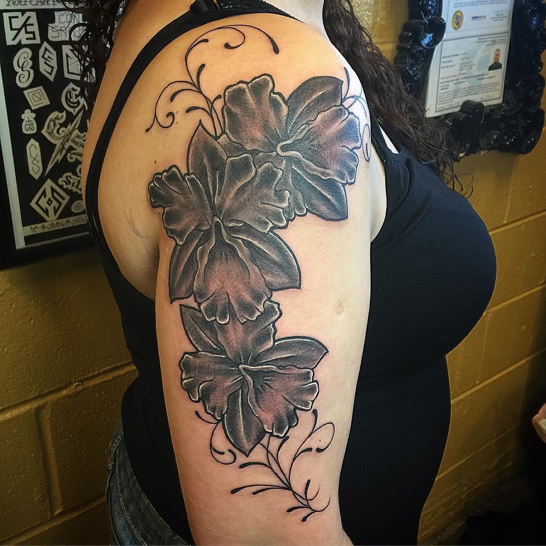 wonderful sleeve tattoo for women