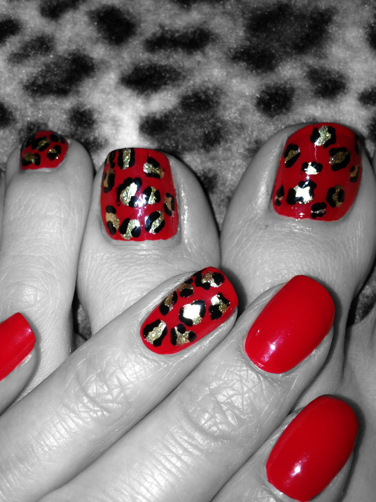 Leopard Accent Nail Design