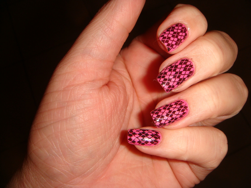 Checkered Black and Pink Design